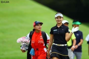 妹・ユウリとのタッグで首位に浮上したセキ・ユウティン(右)(撮影:村上航)