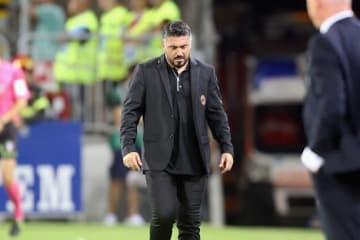 肩を落とすガットゥーゾ監督。チームを立て直すことができるか photo/Getty Images
