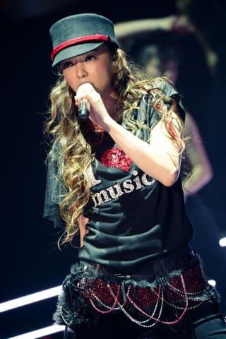16日に引退した歌手の安室奈美恵さんのラストライブとなるイベント「WE LOVE NAMIE HANABI SHOW 前夜祭 I LOVE OKINAWA/I LOVE MUSIC supported by セブン-イレブン」の模様