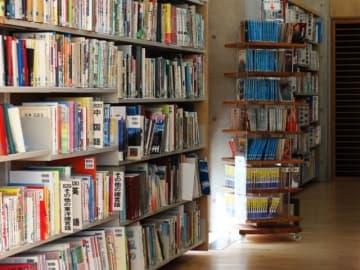 矢野経済研究所が国内出版総市場の調査結果を発表。2018年の出版と電子書籍を合わせた出版総市場は前年比5.0%減の1兆5100億円と予測。電子書籍は9.1%増の見通しだが出版は7.3%減、総合で減少。