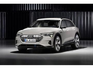 2015年までに12機種の電気自動車発売を掲げるアウディ、初の電動モデルSUV「Audi e-tron」を米サンフランシスコでワールドプレミアした