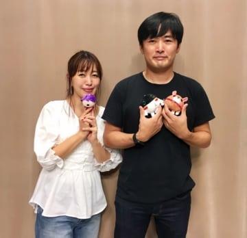 劇団ひとりさん(右)と、番組パーソナリティの坂本美雨(左)