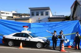 警官が刃物で襲われた東仙台交番=19日午前7時29分、仙台市宮城野区