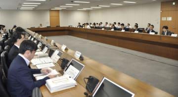 開かれた電気通信事業政策部会=19日午後、東京都千代田区