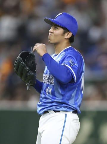 7回、巨人・マギーに本塁打を浴び、完全試合を逃したDeNA・東=東京ドーム