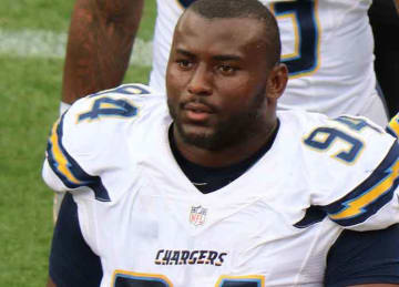 Chargers DT Corey Liuget sues trainer over PEDs injection