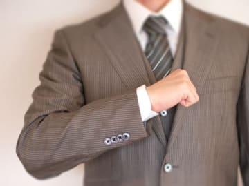 ベンチャー企業・IT企業を中心にスーツを着ないビジネスパーソンが増加しており、深刻なスーツ離れが進んでいる。より高品質で消費者に魅力的に感じられる商品の提供によって巻き返しを図ってもらいたいところだ。
