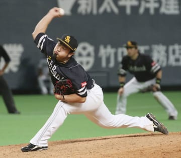 SoftBank Hawks closer Mori