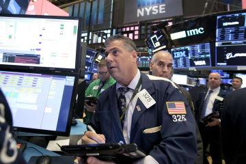 約8カ月ぶりに終値の過去最高値を更新したニューヨーク株式市場=20日(AP=共同)