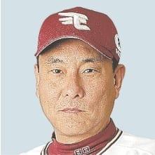 池山隆寛(いけやま・たかひろ)兵庫県出身。兵庫・市尼崎高から84年にヤクルトに入団。88年から5年連続30本塁打を記録するなど、大型遊撃手として、5度のリーグ優勝と4度の日本一に貢献した。02年引退。通算成績は1784試合出場、1521安打、304本塁打、打率2割6分2厘。06~09年に東北楽天、11~15年にヤクルトで1軍打撃コーチなどを歴任。16年に再び東北楽天の1軍打撃コーチに就任し、18年から2軍監督。52歳。背番号88。