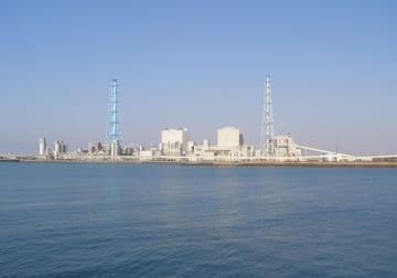 苫東厚真発電所(「Wikipedia」より)