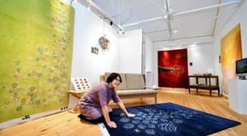 GOSHIMA絨毯 30日まで新作発表展 猪苗代のRootsShop
