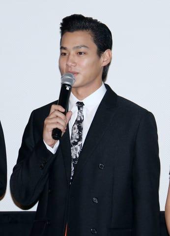 主演映画「純平、考え直せ」の初日舞台あいさつに登場した野村周平さん