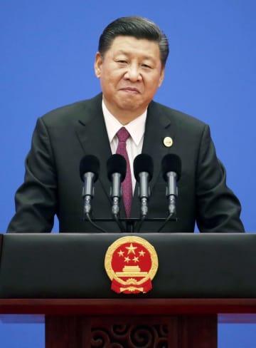 「一帯一路」をテーマにした国際会議の首脳会合を終え、記者会見する中国の習近平国家主席=2017年5月、北京(共同)