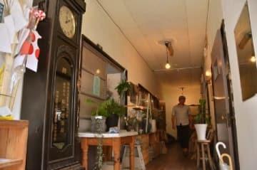 築60年の空き家がリノベで商業施設に 戸畑・コバコ 旧医院の待合室は生花店、診察室はコーヒー店に [福岡県]