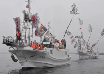 大槌湾内で震災後初めて行われた引き船