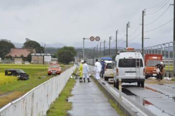 4人が亡くなった事故現場=22日午前9時ごろ、つがる市森田町