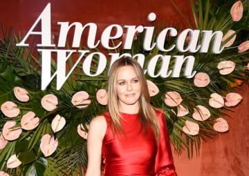 今年5月にロサンゼルスで開催された「アメリカン・ウーマン(原題)」のプレミアパーティーでのアリシア・シルヴァーストーン - Kevin Mazur / Getty Images for Paramount Network