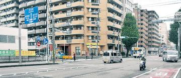 交通量の多い阪東橋駅周辺