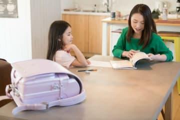 私が塾の経営を通して出会った保護者の方の中で、特に「上手に子育てをされているな」と感じる方に、共通している3つの子育て法則をご紹介します。