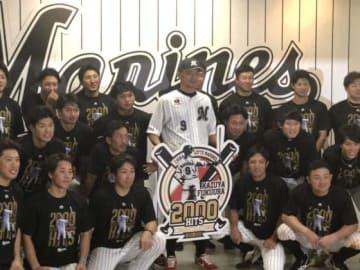 千葉ロッテの選手・コーチたちが福浦の凄さを語った【写真:細野能功】