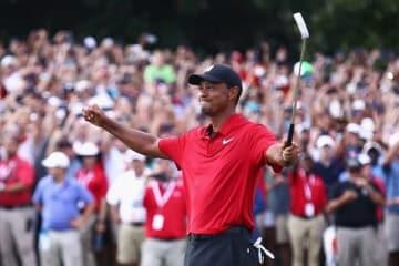タイガー・ウッズが通算11アンダーで5年ぶりの勝利を手にした Photo by Tim Bradbury/Getty Images
