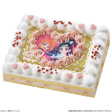 「ふたりはプリキュア」のキュアブラック、キュアホワイトがプリントされたケーキ「キャラデコプリントケーキ プリキュア15周年記念 ふたりはプリキュア スペシャルセット」(C)ABC-A・東映アニメーション