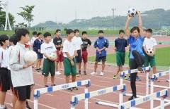 五輪の走り 福山の中高生学ぶ