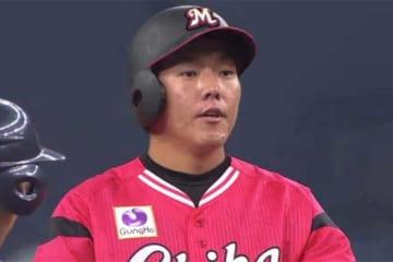 本日4打点目となるタイムリー二塁打を放ったロッテ・安田尚憲【画像:(C)PLM】
