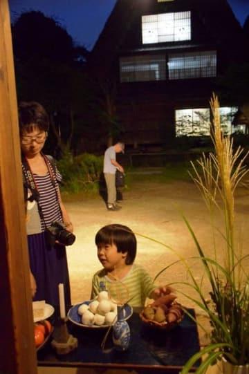 旧佐々木家に飾られた十五夜飾り=川崎市多摩区の日本民家園