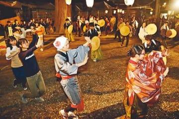 踊りの輪心行くまで 五箇山麦屋まつり最終日