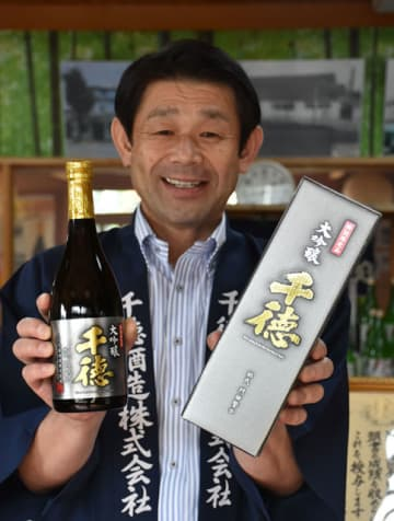 「『大吟醸 千徳』の魅力を外国でも知ってもらいたい」と語る門田社長