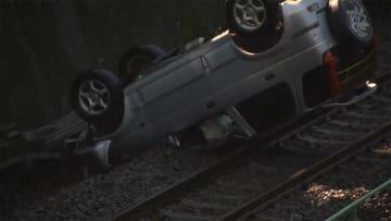 車が線路に転落 武蔵野線、一部区間で運転見合わせ