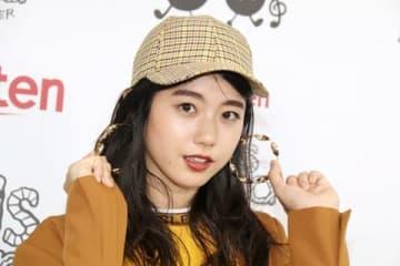ファッション&音楽イベント「Rakuten GirlsAward 2018 AUTUMN/WINTER」に登場し取材に応じた「STU48」の瀧野由美子さん