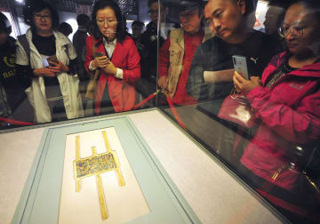 「中日ニヤ遺跡考古調査30周年成果展」開催、貴重な文化財が多数出展