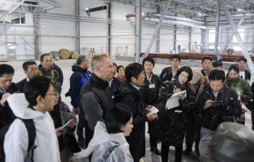 Japanese visitors to Russian-held islands