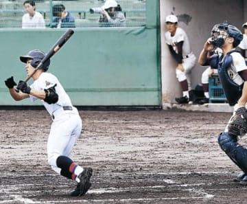 富山一、5年ぶり優勝 秋季県高校野球、高岡商に10−6
