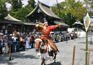 復興の流鏑馬、阿蘇神社3年ぶり [熊本県]