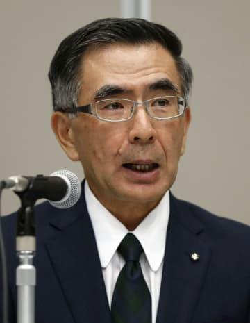 新たな不正が見つかり、記者会見するスズキの鈴木俊宏社長=26日午後、東京都港区