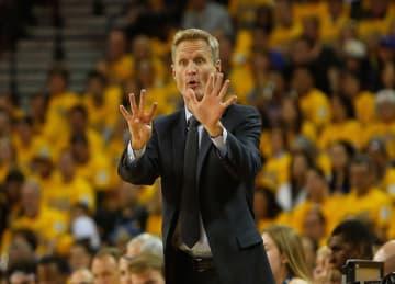 Warriors' Steve Kerr Wins NBA Coach of the Year