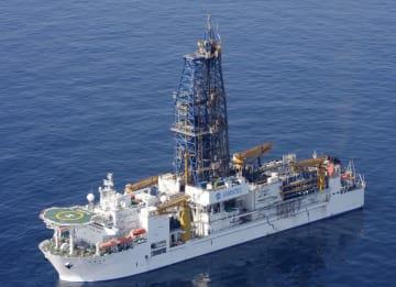 海洋研究開発機構の探査船「ちきゅう」(同機構提供)