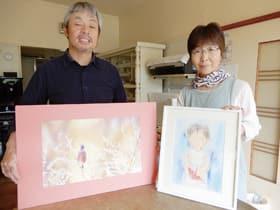 野鳥写真とパステル画の二人展を開く熊谷勝さん、恵子さん夫妻