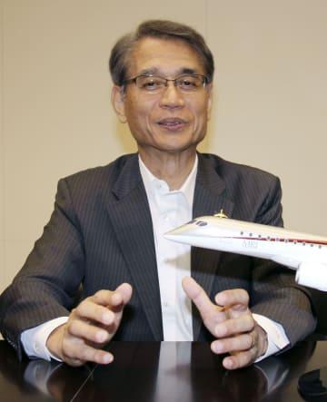 インタビューに答える三菱航空機の水谷久和社長
