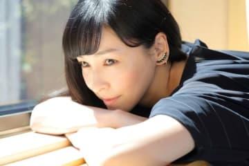 40代になり、ますます輝きが増す麻生久美子。 - 写真:高野広美