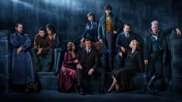 クローディア・キム(左から3番目) - (C) 2017 Warner Bros. Ent. All Rights Reserved.  Harry Potter and Fantastic Beasts Publishing Rights