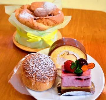 人気のシュークリームや塩ロールケーキ、シフォンケーキ