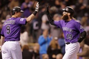 本塁打を放ったロッキーズのブラックモン(右)【写真:Getty Images】