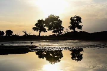内モンゴル自治区 「枯れ川」が600年の時を経て蘇る