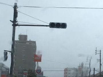 停電した信号=29日午前11時、与那原町