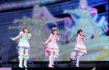 「プリパラ」「アイドルタイムプリパラ」「キラッとプリ☆チャン」のライブイベント「プリパラ&キラッとプリ☆チャン AUTUMN LIVE TOUR み~んなでアイドルやってみた!」の様子